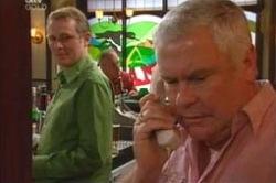 Max Hoyland, Lou Carpenter in Neighbours Episode 4180