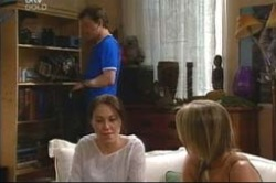 Steph Scully, Libby Kennedy, Stuart Parker in Neighbours Episode 4181