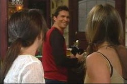 Libby Kennedy, Darcy Tyler, Steph Scully in Neighbours Episode 4181