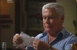 Lou Carpenter in Neighbours Episode 4190