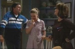 Joe Scully, Michelle Scully, Lyn Scully in Neighbours Episode 4190