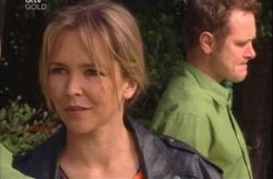 Max Hoyland, Steph Scully in Neighbours Episode 4194