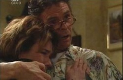 Joe Scully, Lyn Scully in Neighbours Episode 4196