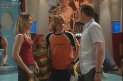 Steph Scully, Summer Hoyland, Boyd Hoyland, Max Hoyland in Neighbours Episode 4196