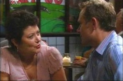Trish Brown, Max Hoyland in Neighbours Episode 4200
