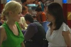 Dee Bliss, Libby Kennedy in Neighbours Episode 4202