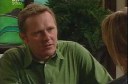 Max Hoyland, Steph Scully in Neighbours Episode 4203