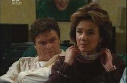 Joe Scully, Lyn Scully in Neighbours Episode 4204