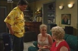 Joe Scully, Michelle Scully, Valda Sheergold in Neighbours Episode 4205