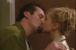 Toadie Rebecchi, Sindi Watts in Neighbours Episode 4209