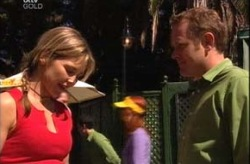 Steph Scully, Max Hoyland in Neighbours Episode 4209