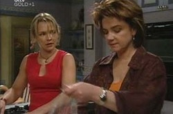 Steph Scully, Lyn Scully in Neighbours Episode 4210