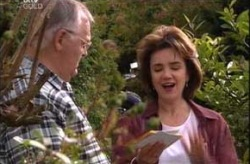 Harold Bishop, Lyn Scully in Neighbours Episode 4210
