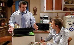 Toadie Rebecchi, Stuart Parker in Neighbours Episode 4413