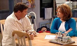 Joe Scully, Lyn Scully, Oscar Scully in Neighbours Episode 4413