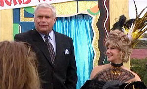 Lou Carpenter, Trixie Tucker in Neighbours Episode 4413