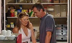 Izzy Hoyland, Karl Kennedy in Neighbours Episode 4477