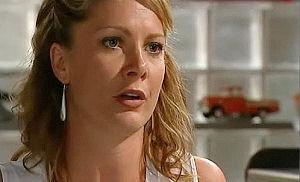 Izzy Hoyland in Neighbours Episode 4483