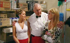 Sky Mangel, Izzy Hoyland, Harold Bishop in Neighbours Episode 4484