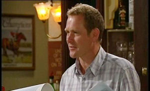 Max Hoyland in Neighbours Episode 4490