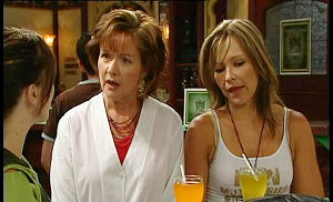 Libby Kennedy, Susan Kennedy, Steph Scully in Neighbours Episode 4502