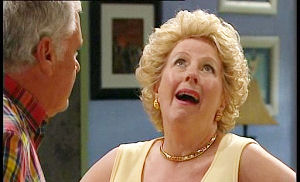 Lou Carpenter, Valda Sheergold in Neighbours Episode 4502