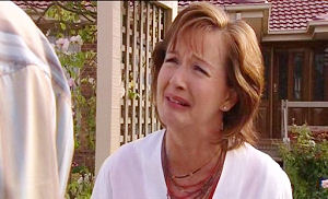 Susan Kennedy, Karl Kennedy in Neighbours Episode 4502