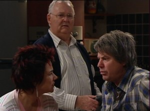 Harold Bishop, Lyn Scully, Joe Mangel in Neighbours Episode 4838