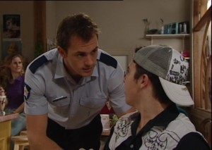 Stuart Parker, Stingray Timmins in Neighbours Episode 4842