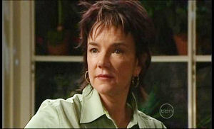 Lyn Scully in Neighbours Episode 4945