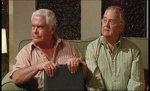 Lou Carpenter, Harold Bishop in Neighbours Episode 4945