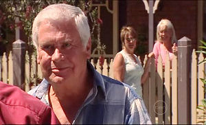 Lou Carpenter in Neighbours Episode 4945