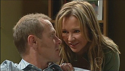 Max Hoyland, Steph Scully in Neighbours Episode 4980