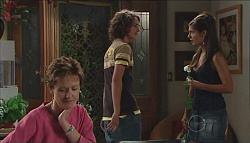 Susan Kennedy, Garrett Burns, Rachel Kinski in Neighbours Episode 4980