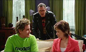 Ned Parker, Karl Kennedy, Lyn Scully in Neighbours Episode 4981