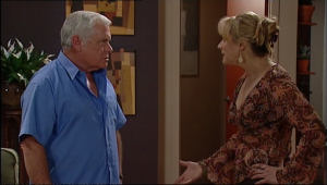 Lou Carpenter, Janelle Timmins in Neighbours Episode 5040