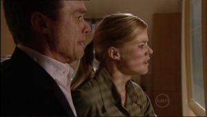 Paul Robinson, Elle Robinson in Neighbours Episode 5043