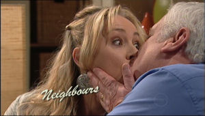 Janelle Timmins, Lou Carpenter in Neighbours Episode 5051