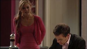 Elle Robinson, Paul Robinson in Neighbours Episode 5054