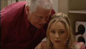 Lou Carpenter, Janelle Timmins in Neighbours Episode 5055