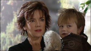 Lyn Scully, Oscar Scully in Neighbours Episode 5057