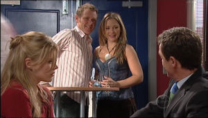 Max Hoyland, Steph Scully, Elle Robinson, Paul Robinson in Neighbours Episode 5057