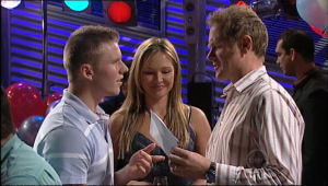 Boyd Hoyland, Steph Scully, Max Hoyland in Neighbours Episode 5057