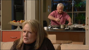 Loris Timmins, Lou Carpenter in Neighbours Episode 5059