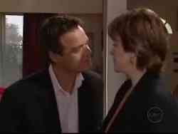 Paul Robinson, Lyn Scully in Neighbours Episode 5061