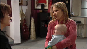 Steph Scully, Lyn Scully, Charlie Hoyland in Neighbours Episode 5062