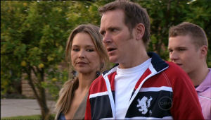 Max Hoyland, Boyd Hoyland, Steph Scully in Neighbours Episode 5067