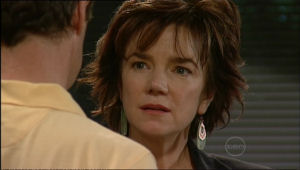 Paul Robinson, Lyn Scully in Neighbours Episode 5069