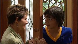 Susan Kennedy, Zeke Kinski in Neighbours Episode 5071