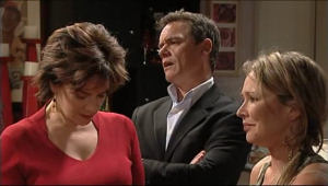 Lyn Scully, Paul Robinson, Steph Scully in Neighbours Episode 5073